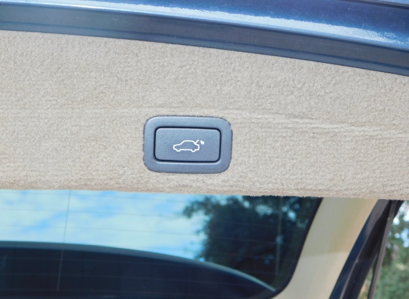 Volvo XC60 2010 price $6,390