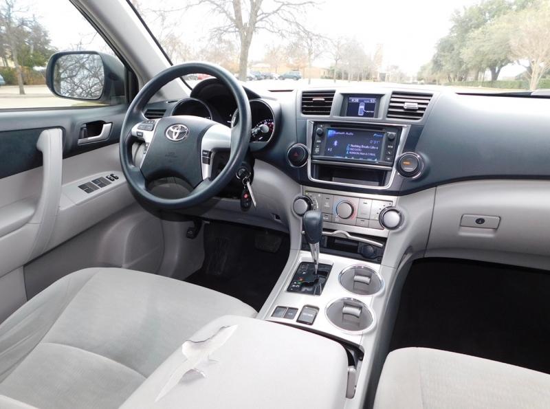 Toyota Highlander 2013 price $8,991