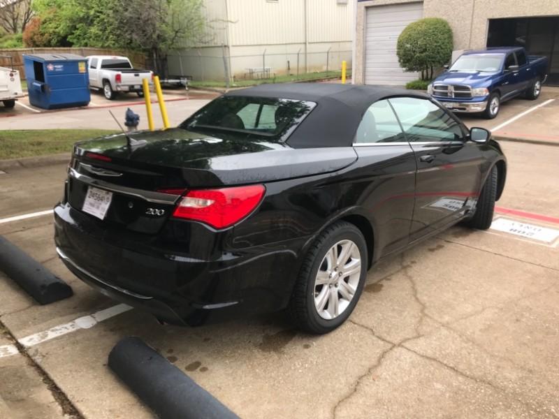 Chrysler 200 2011 price $6,295
