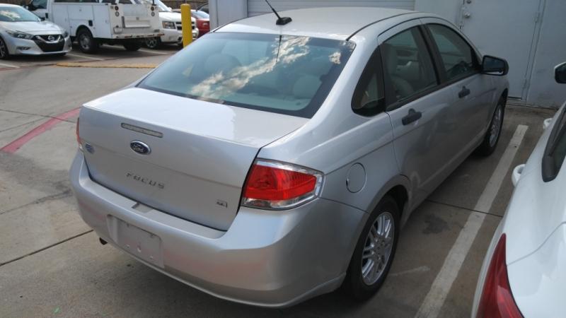 Ford Focus 2011 price $3,999