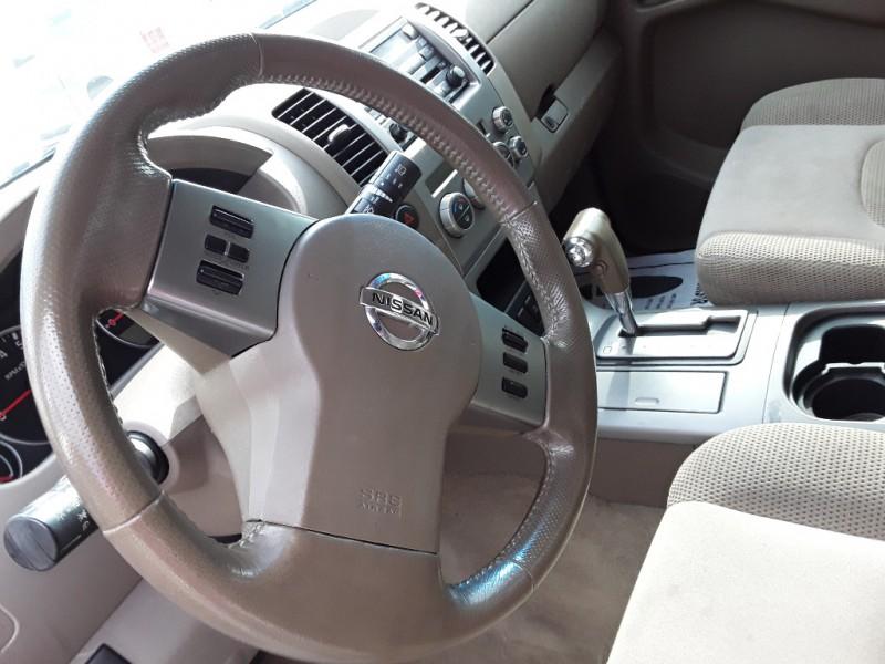 2006 Nissan Pathfinder SE 2WD