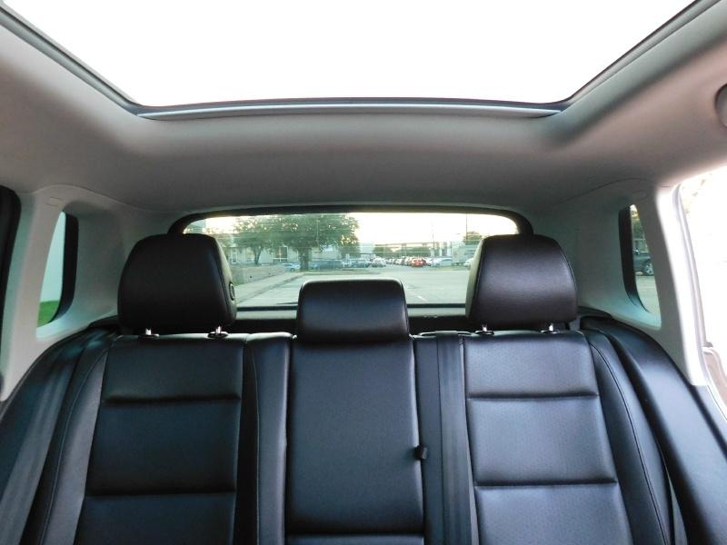 Volkswagen Tiguan 2015 price $13,990