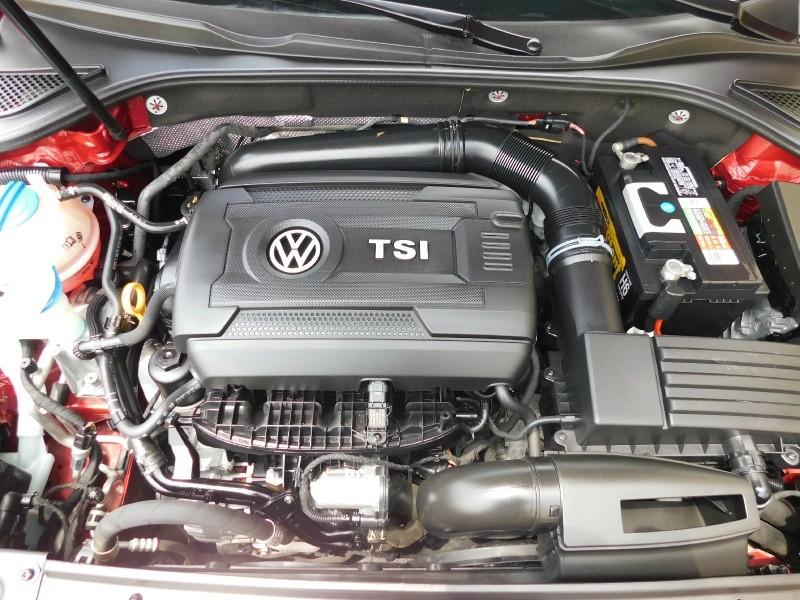 Volkswagen Passat 2017 price $10,990