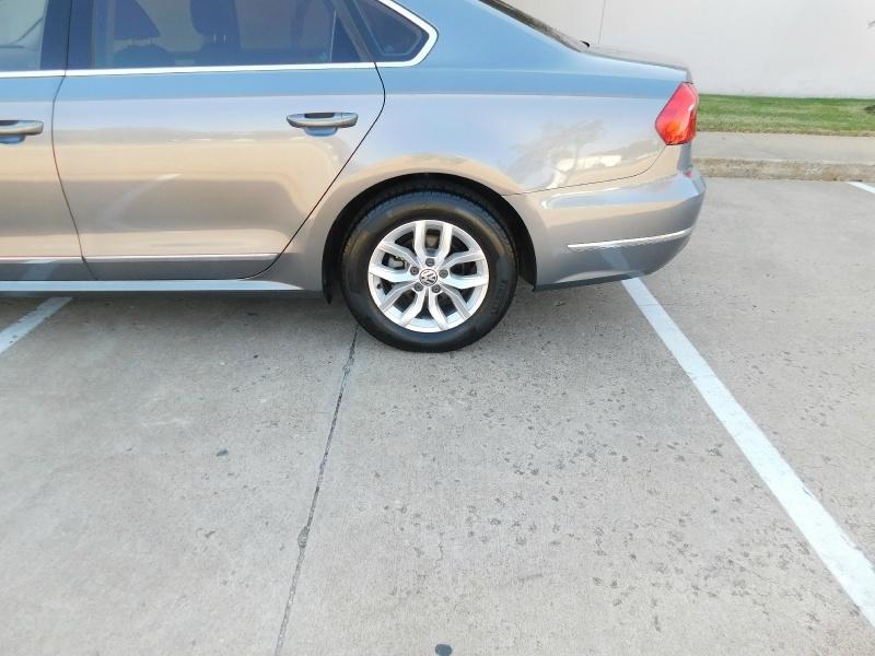 Volkswagen Passat 2016 price $10,690