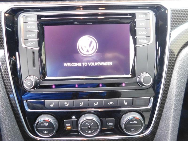 Volkswagen Passat 2018 price $19,990
