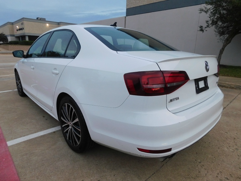 Volkswagen Jetta 2016 price $13,990