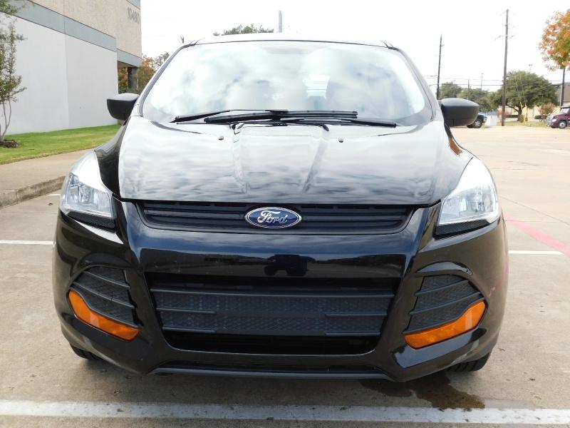 Ford Escape 2016 price $9,990