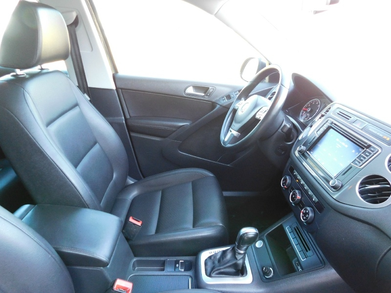 Volkswagen Tiguan 2016 price $13,990