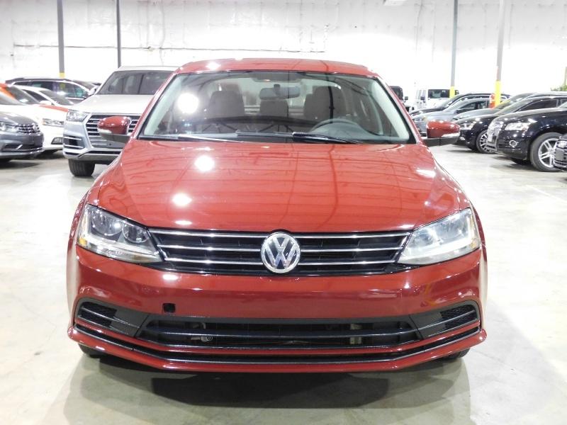 Volkswagen Jetta 2017 price $9,990