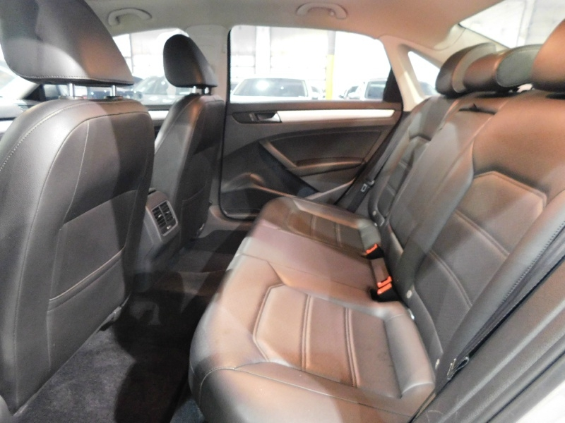 Volkswagen Passat 2013 price $10,490