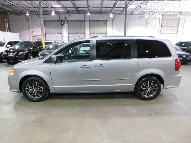 Dodge Grand Caravan 2017 price $12,990