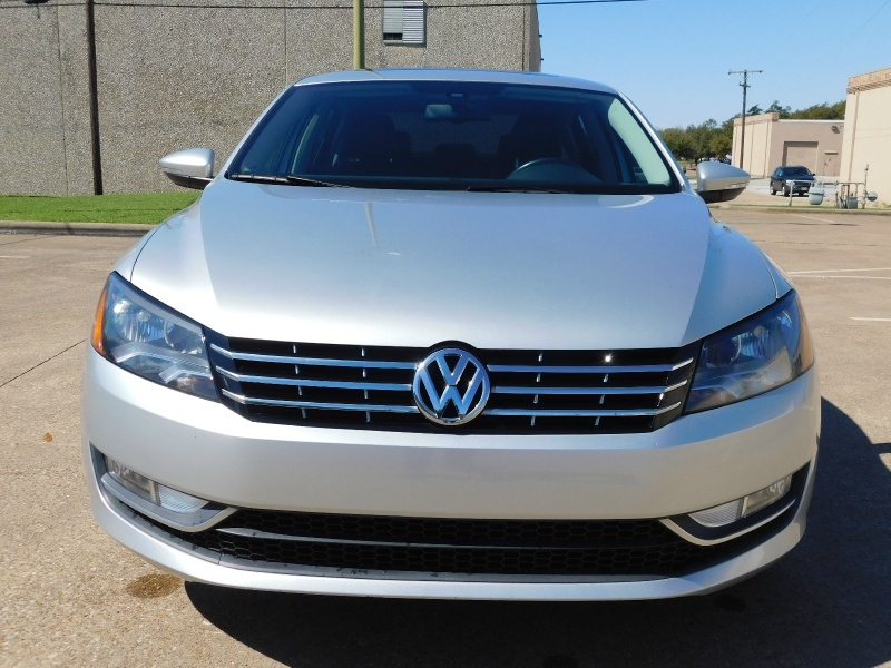 Volkswagen Passat 2012 price $11,990