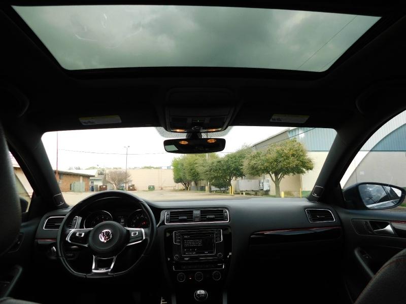 Volkswagen Jetta 2017 price $17,990