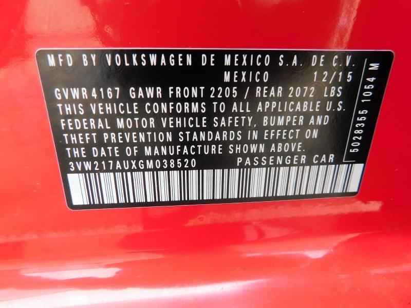 Volkswagen Golf 2016 price $10,990