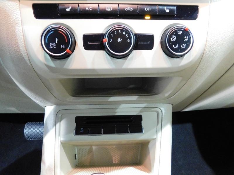 Volkswagen Tiguan 2014 price $11,990