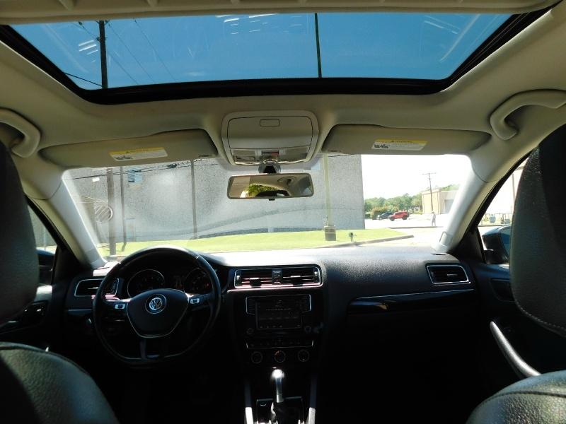 Volkswagen Jetta Sedan 2017 price $10,990