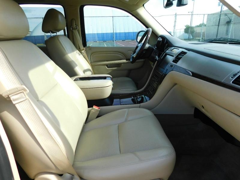 Cadillac Escalade 2013 price $17,990