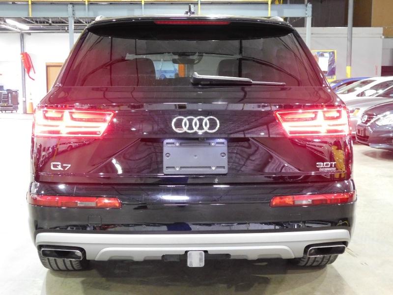 Audi Q7 2017 price $36,990