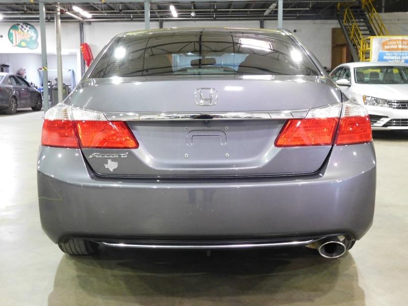 Honda Accord Sedan 2015 price $11,990