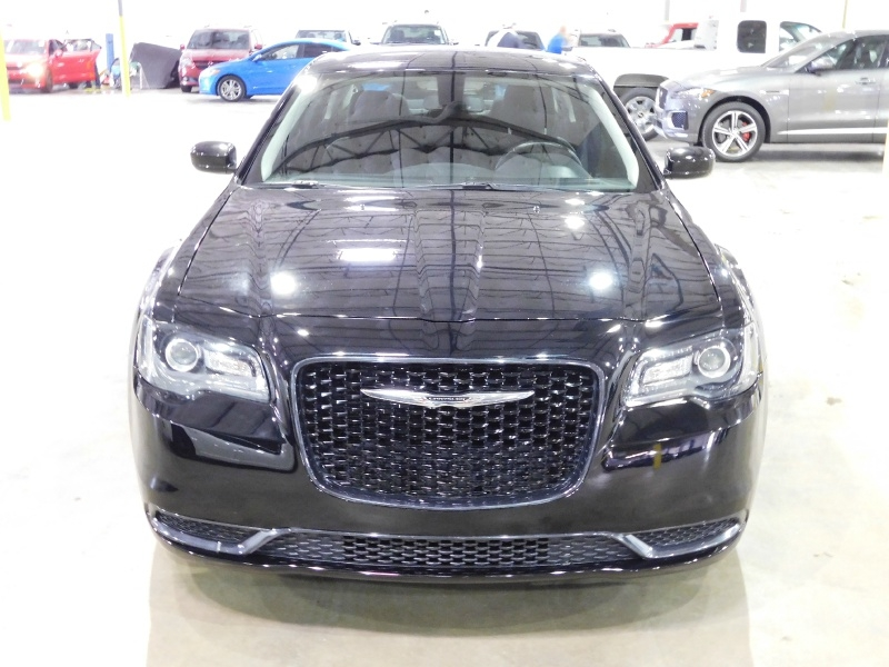 Chrysler 300 2018 price $19,990