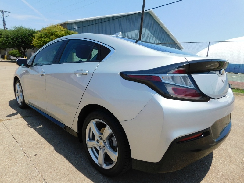 Chevrolet Volt 2017 price $16,990