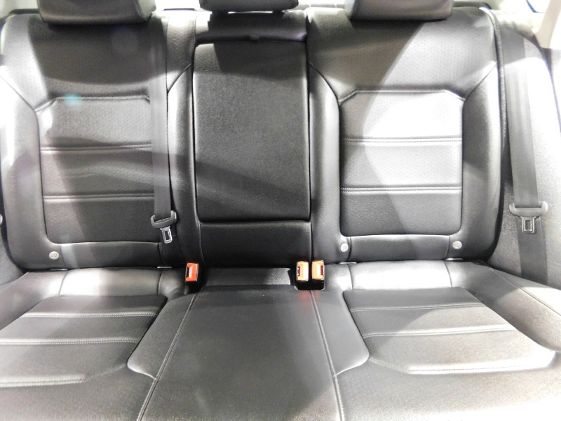 Volkswagen Passat 2018 price $15,990