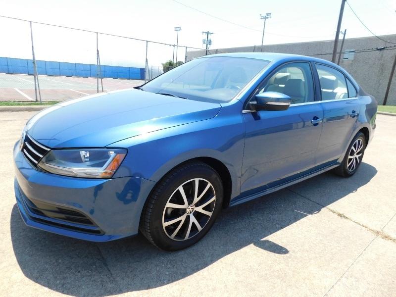Volkswagen Jetta 2017 price $13,990