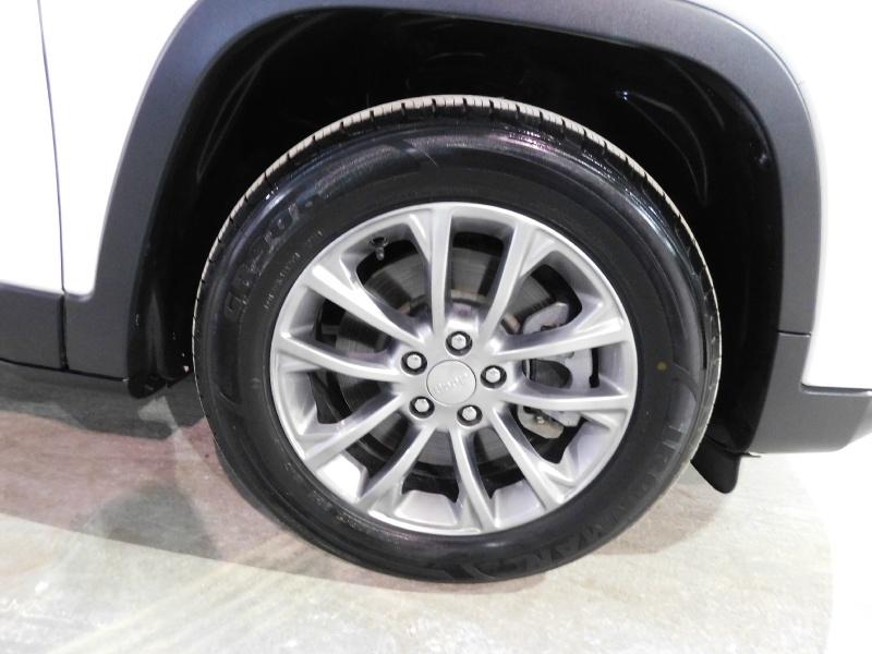 Jeep Cherokee 2019 price $19,990
