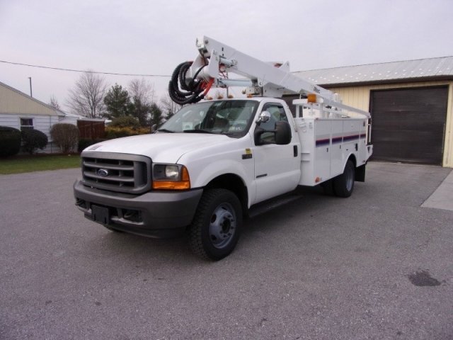2001 Ford Super Duty F-550 DRW