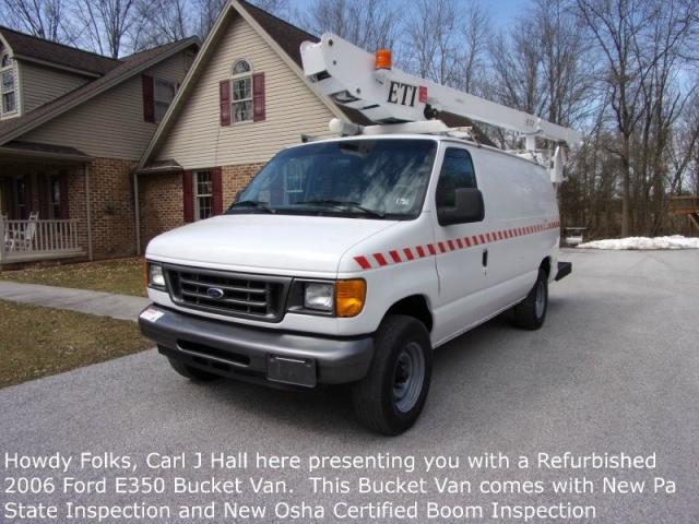 2006 Ford Bucket Truck