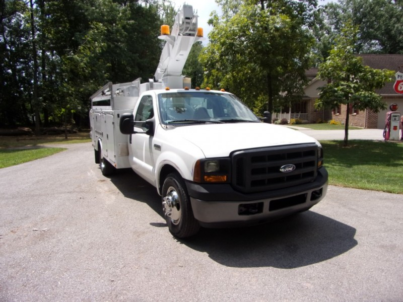 Ford Super Duty F-350 DRW 2006 price $34,500