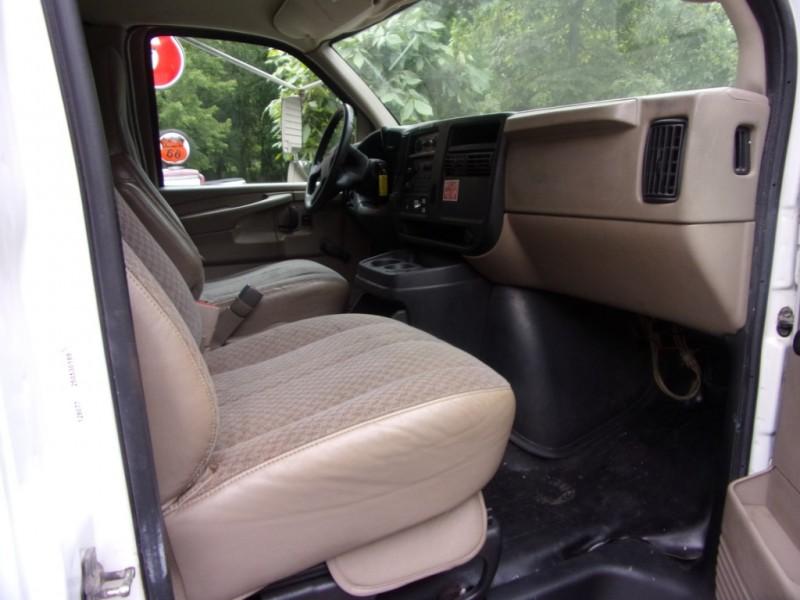 GMC Savana Cutaway 2005 price $19,990