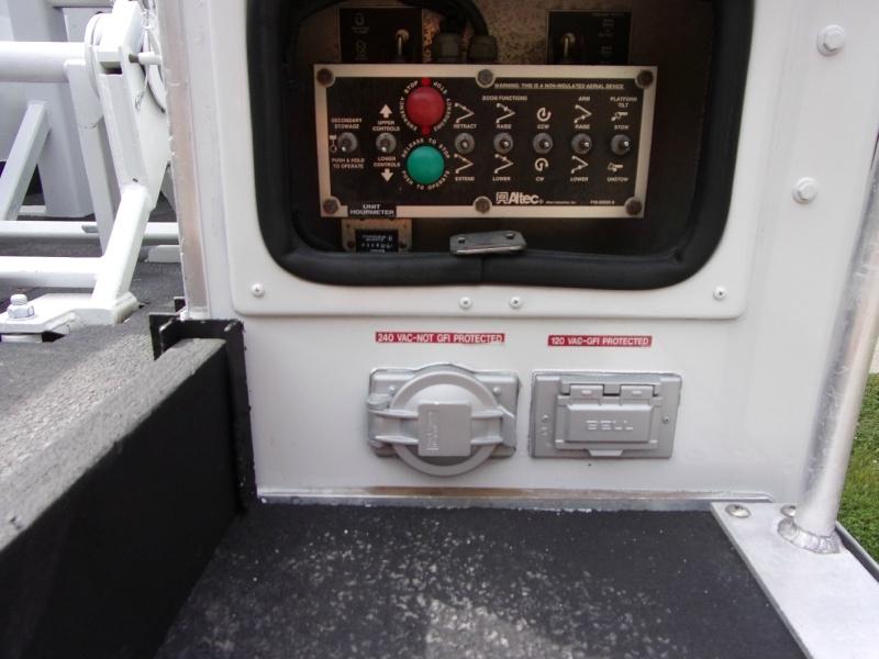 GMC C5500 2006 price $35,900