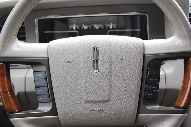 LINCOLN Navigator L 2013 price $19,900