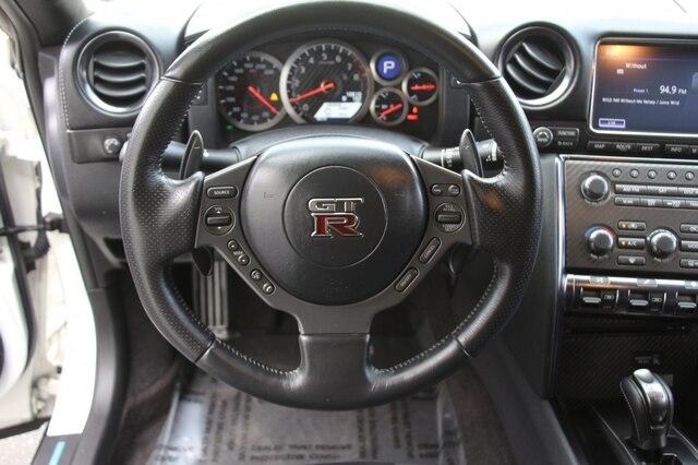 Nissan GT-R 2016 price $79,900