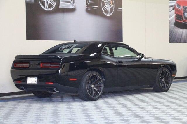 Dodge Challenger 2017 price $28,800