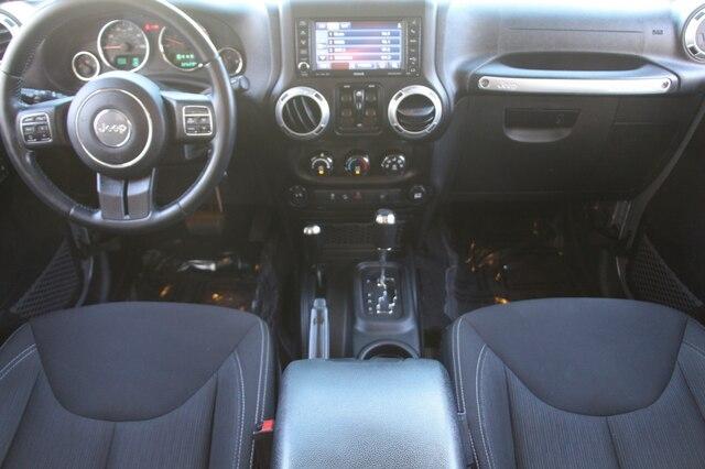 Jeep Wrangler Unlimited 2015 price $30,800