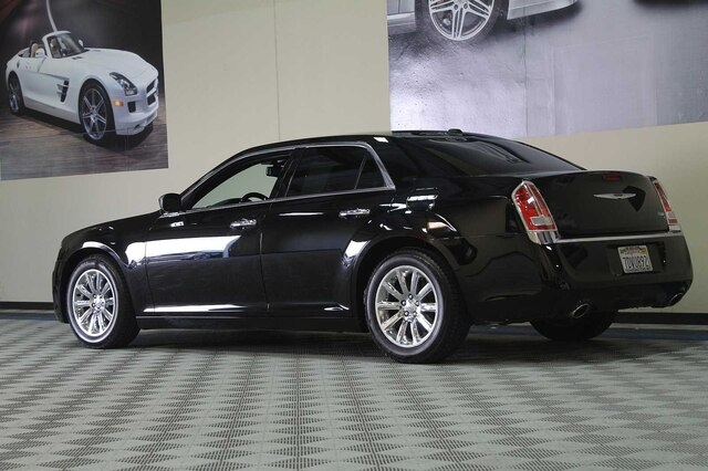 Chrysler 300C 2013 price $10,900