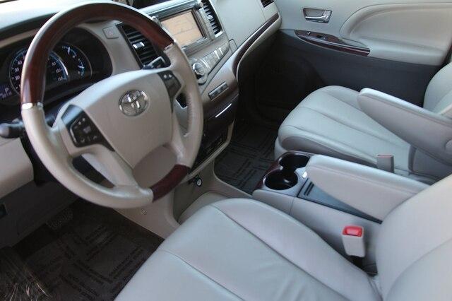 Toyota Sienna 2013 price $25,800