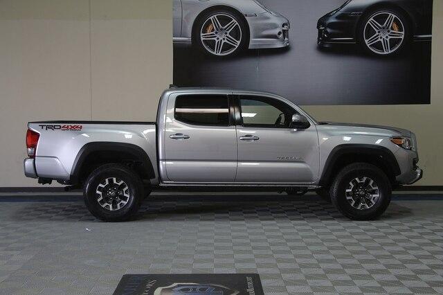 Toyota Tacoma 2017 price $31,900