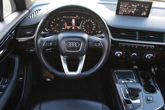 Audi Q7 2017 price $33,900