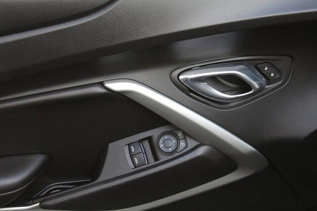 Chevrolet Camaro 2017 price $31,900
