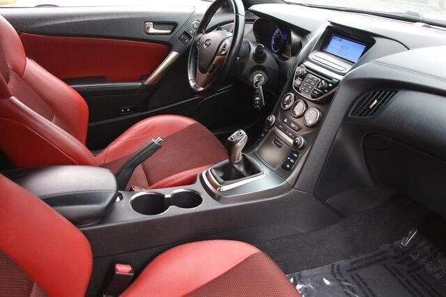 Hyundai Genesis Coupe 2013 price $15,900