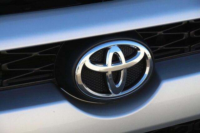Toyota 4Runner 2018 price $36,900