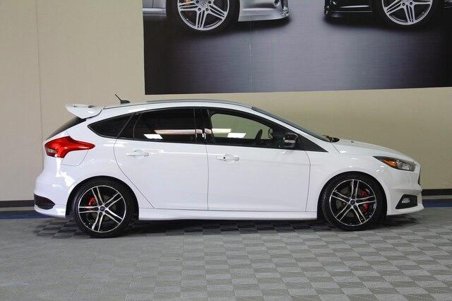 Ford Focus ST 2016 price $16,900
