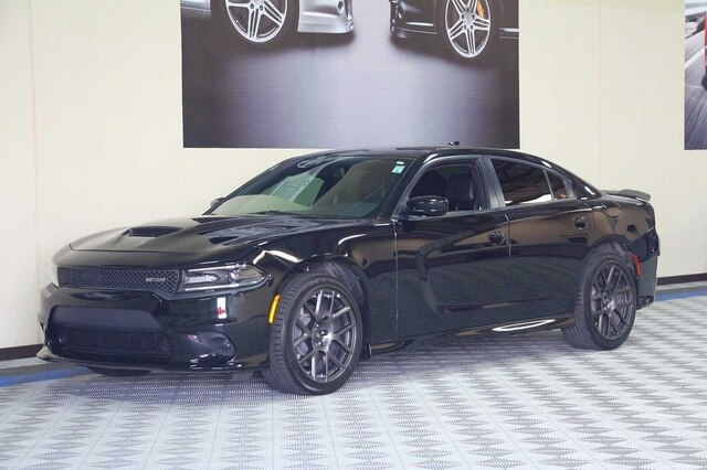 Dodge Charger 2017 price $32,900