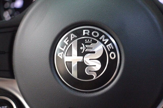 Alfa Romeo Giulia 2017 price $27,900