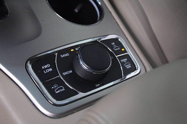 Jeep Grand Cherokee 2015 price $29,900