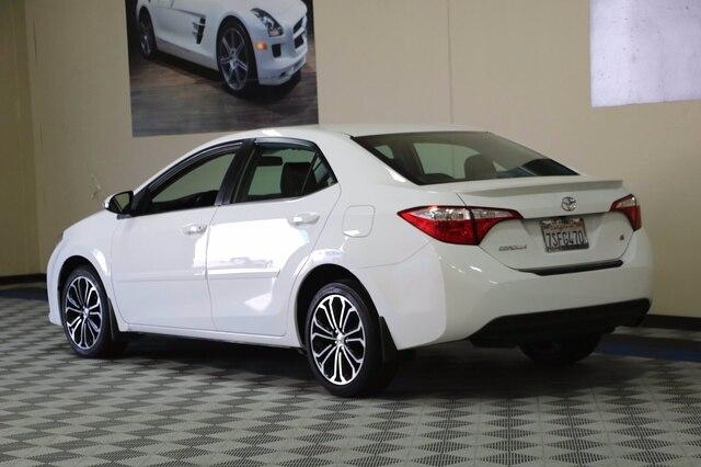 Toyota Corolla 2016 price $10,900