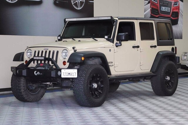 Jeep Wrangler Unlimited 2011 price $27,900